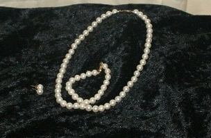 Aa White Pearl Necklace Set