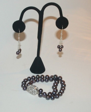 Black Pearl Bracelet with Dangle Earrings