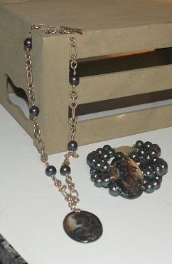 Black Cameo Pearl Necklace and Bracelet Set