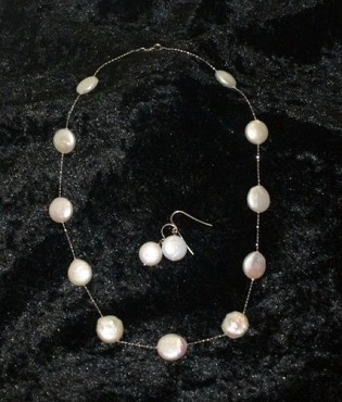 White Coin Pearl Necklace Set